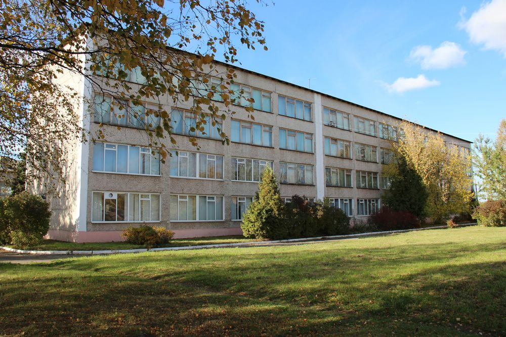 Вид со стороны общежития