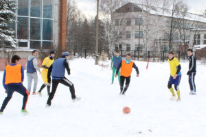 Футбол на снегу 2